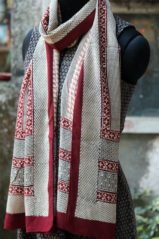 bagh silk stole - triangles & zig-zag (maroon & black)