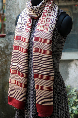 bagh silk stole - kolam & the river (maroon & black)