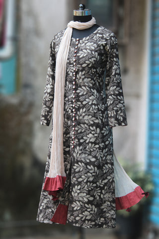anarkali - grey tendrils & maroon lines
