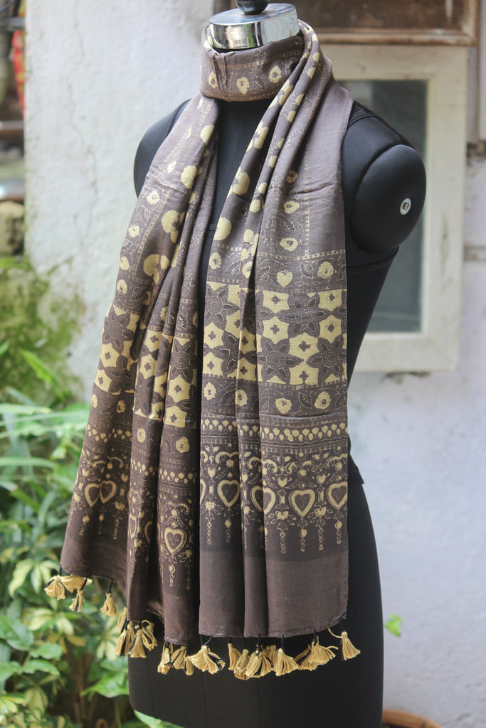 ajrakh silk stole - kashish grey & phool buta