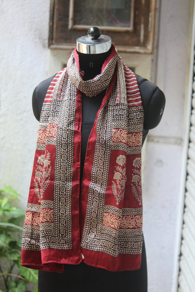 bagh silk stole - pine leaf & lines