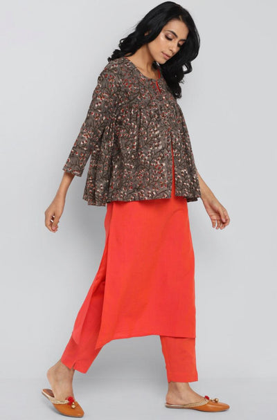 Complete Set - Kurta + Pant + Peplum Jacket: peach & kashish