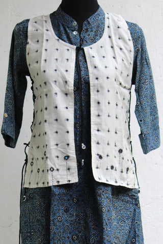 jacket-ikat-black-white