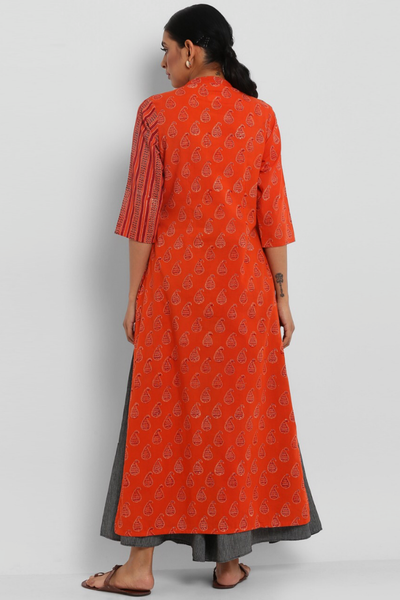 LONG KURTA WITH POCKETS - ORANGE PAISLEYS & PANEL