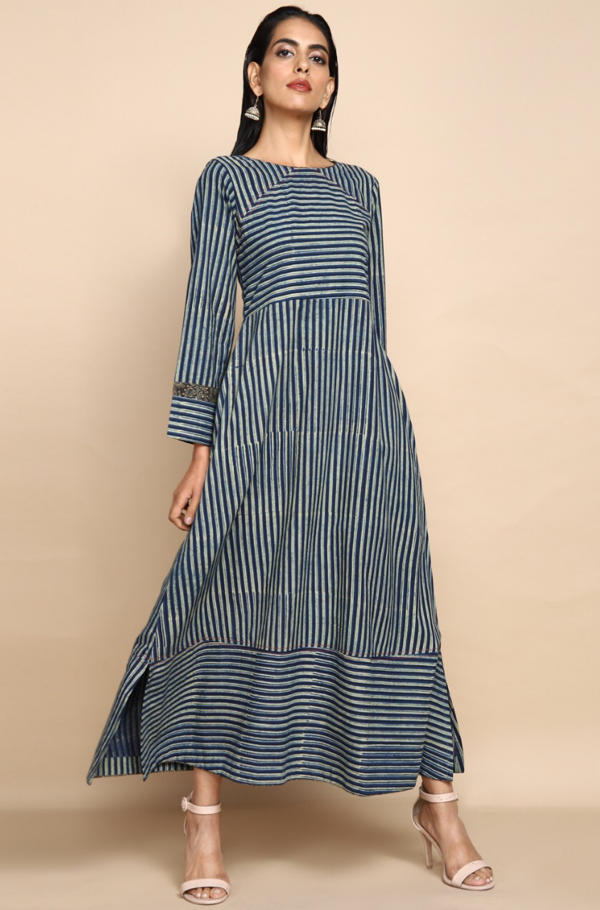 Ankle length dress in indigo henna lines with long sleeves and neck detail