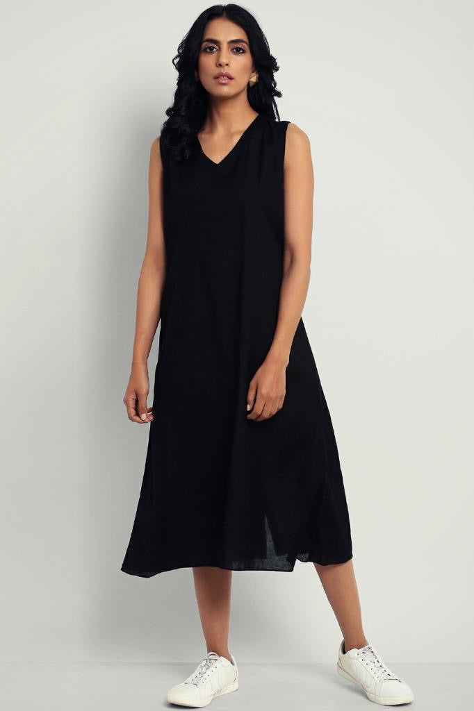 dress -  kohl black & sleeveless