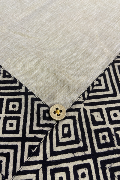 mangalgiri table cover - beige & kohl