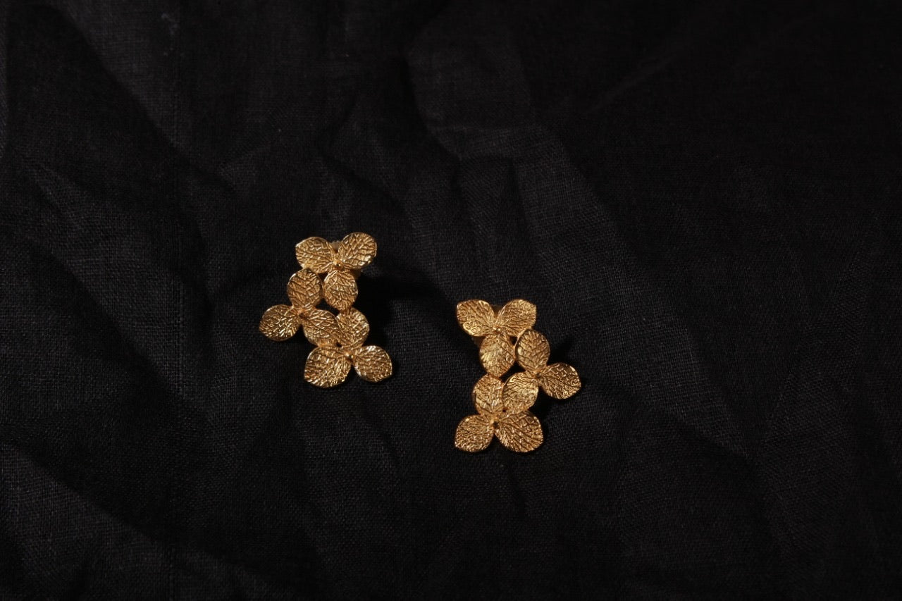 jewelry - berserk - gold plated trillium studs