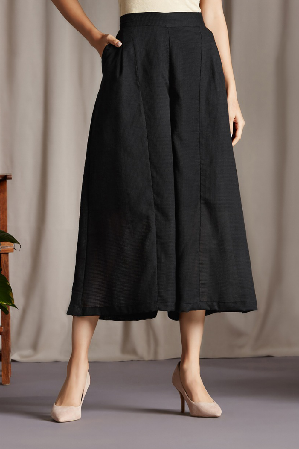 box pleated culotte - timeless black
