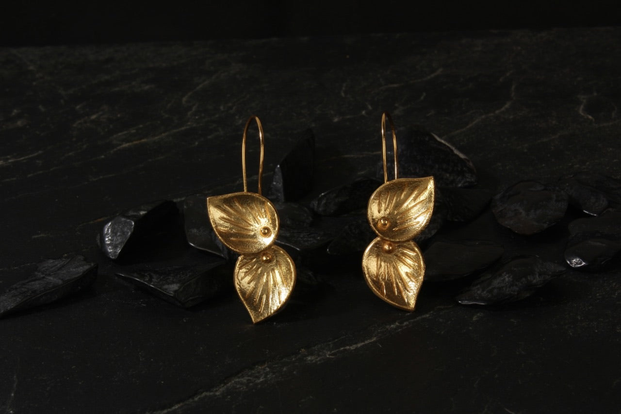 jewelry - berserk - gold plated petal loops