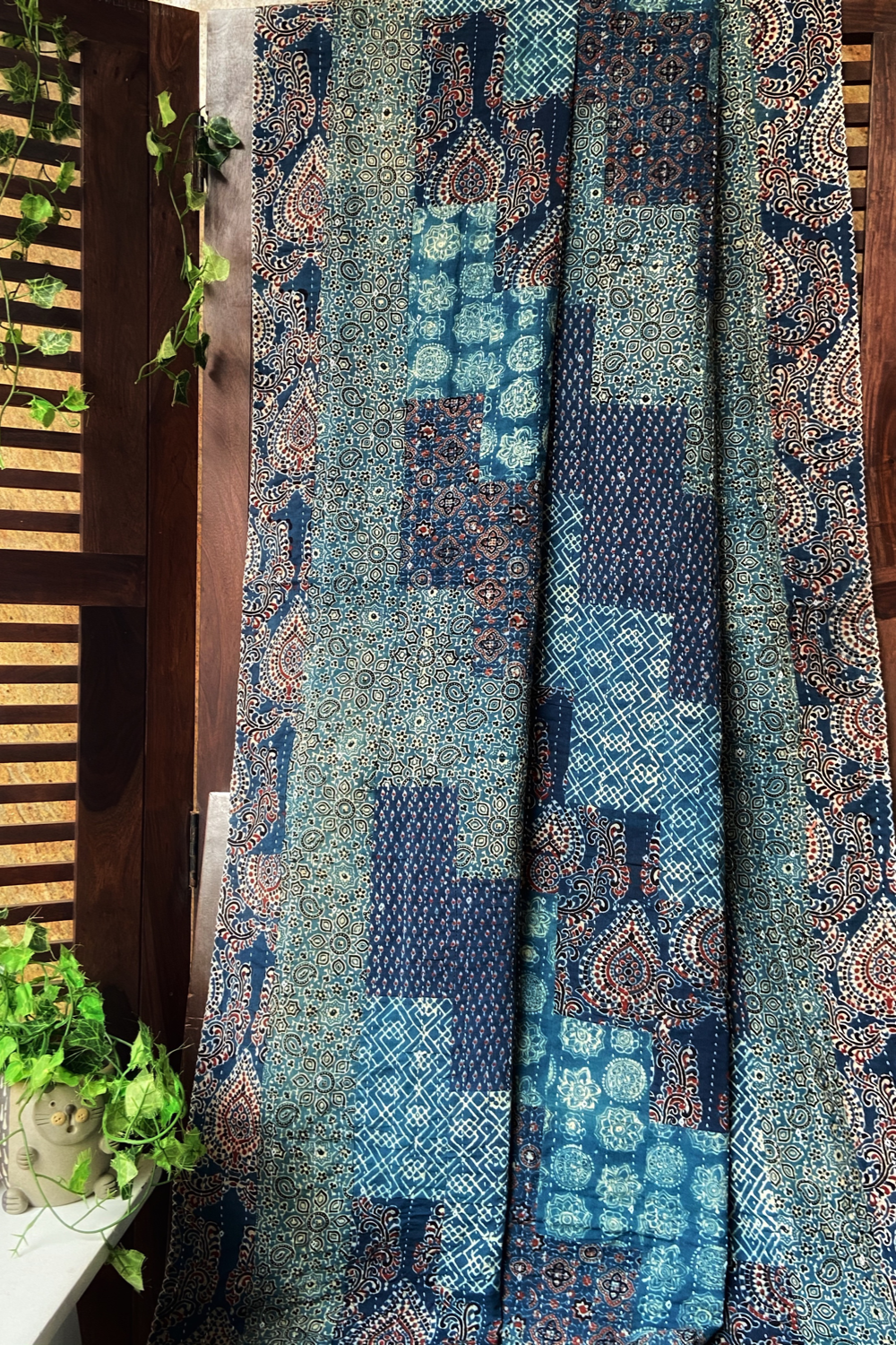 handcrafted single quilt without filler - vintage blues & motif