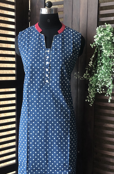 sleeveless collar dress - indigo polka & pink