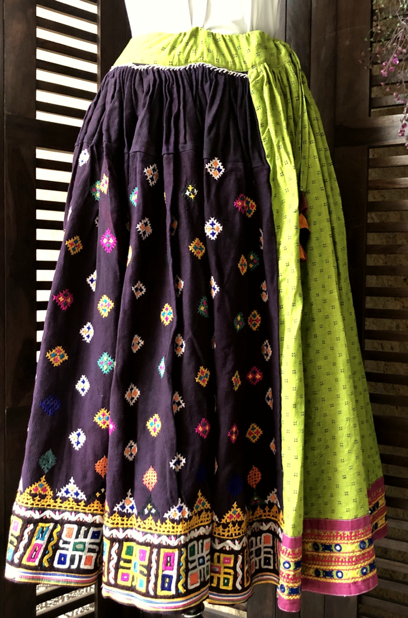 kutchi vintage skirt - green dots & border
