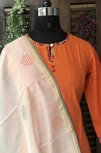 handwoven chanderi dupatta - abstract & orange circles