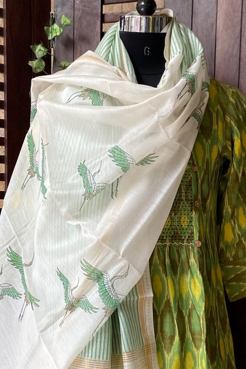 handwoven chanderi dupatta - porcelain & green birds