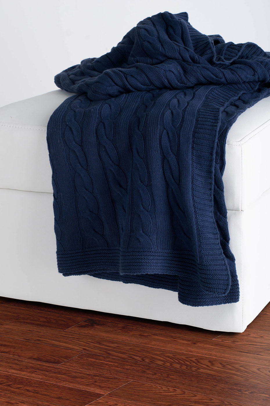 Rizzy Navy Throw TH0148