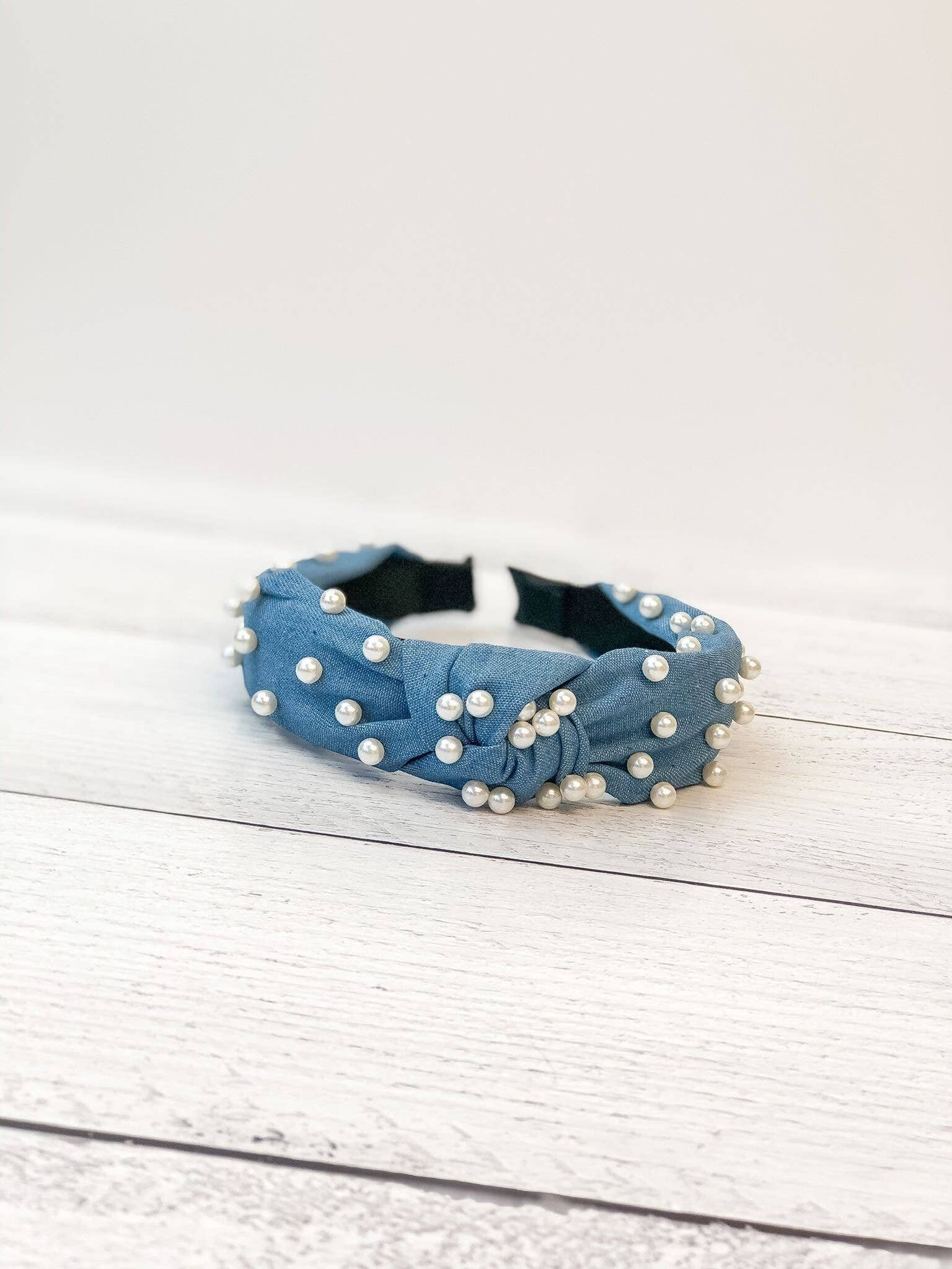 Chambray Knotted Pearl Headband