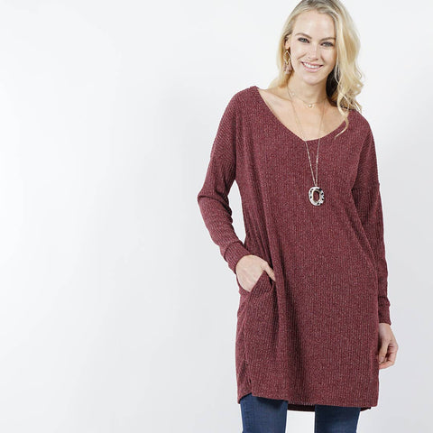 V-neck side-slit two pocket sweater