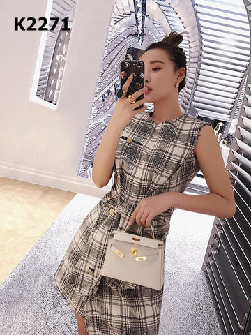 K2271 Sleeveless check dress