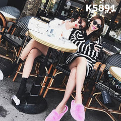 K5891 B&W V neck long sweater