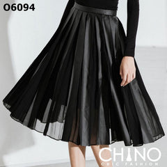 O6094 Black pleated skirt