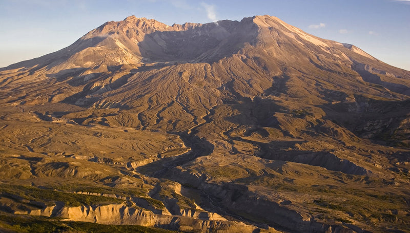 Mount St. Helens Recharging, Earthquake Swarms Shake the Area - Be Prepared - Emergency Essentials