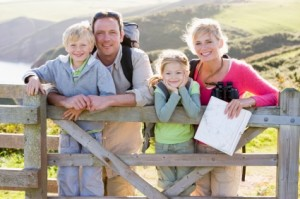 iStock_000009042518XSmall_Family_Hiking_Fence