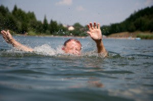 Drowning swimmer: 20 survival tips