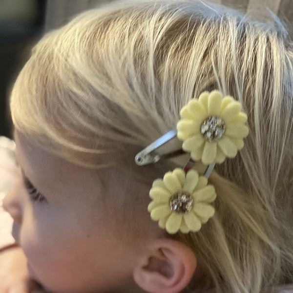 2 pack Daisy Hairclips - Chic Petit