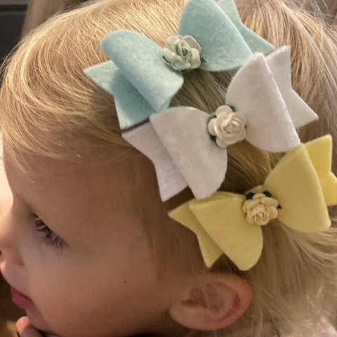 Bow with Rose Centre Hairclip - Extra Small - Chic Petit