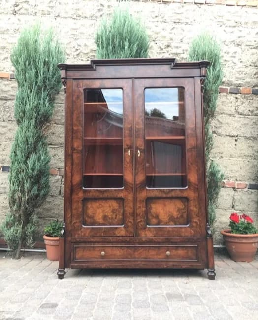 20th Century Antique Wardrobe/Display Cabinet in Eclectic style - Vintage Clock Face