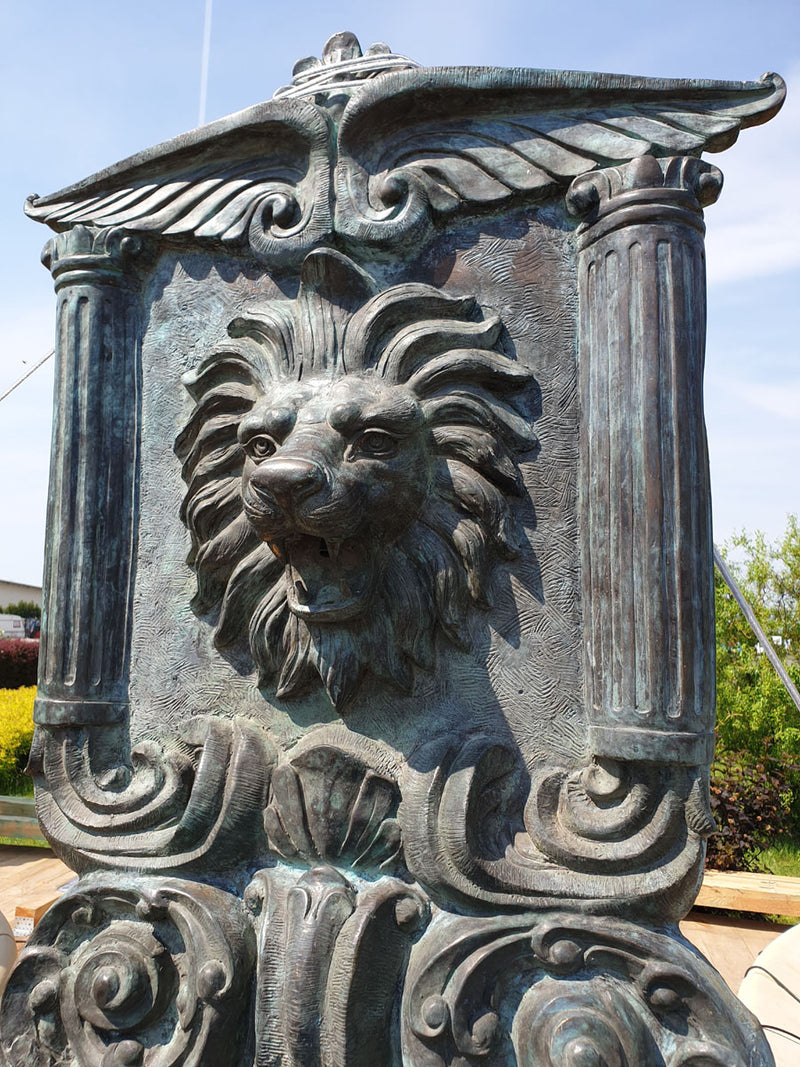A STUNNING PALACE WALL FOUNTAIN WITH A LION– 20th - Vintage Clock Face