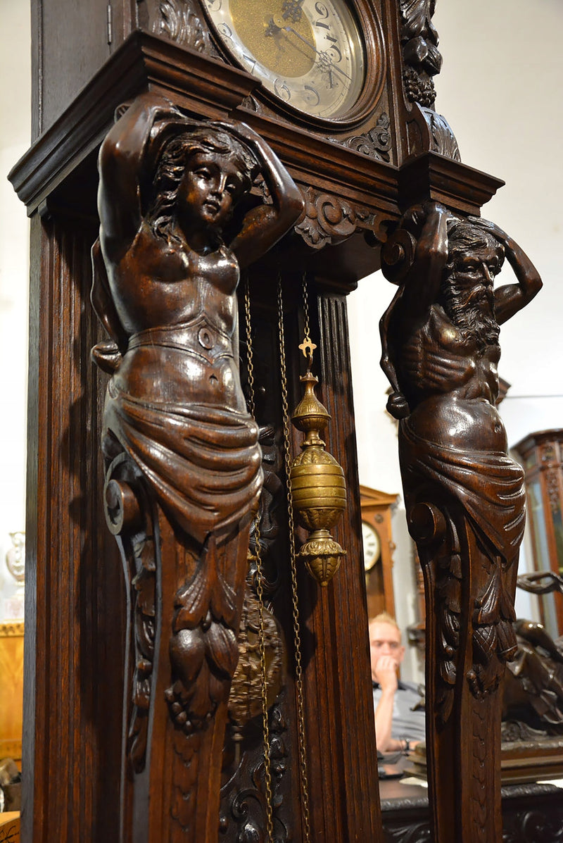 An impressive figural clock in neo-Renaissance style - Vintage Clock Face
