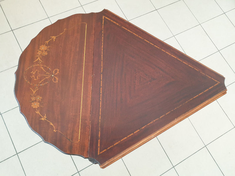 A FOLDABLE TABLE WITH AN UNSUAL SHAPE – INTARSIA, INLAYS - Vintage Clock Face