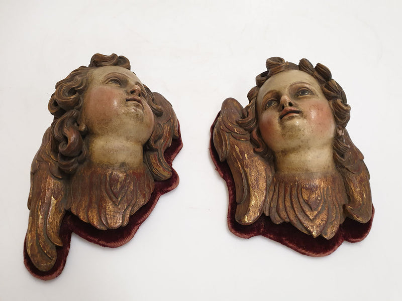 SCULPTURES - A PAIR OF FEMALE HEADS, WOOD, SECESSION - Vintage Clock Face