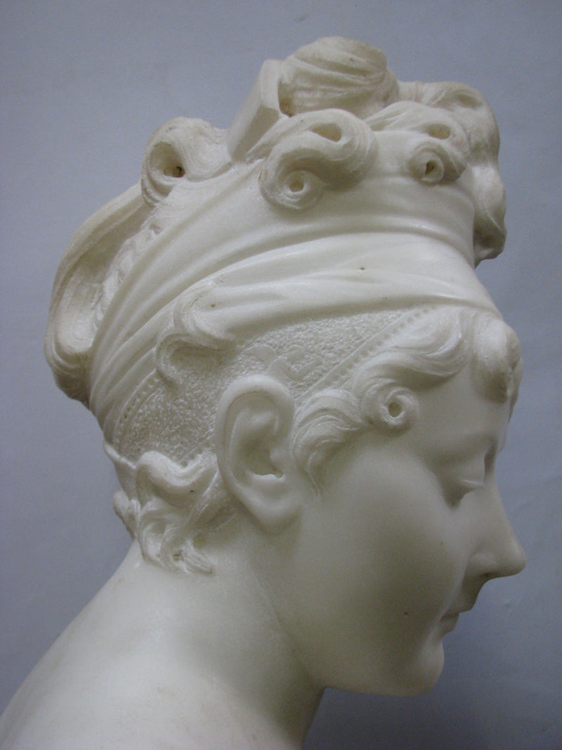 "THE SCULPTURE ""BUST OF THE YOUNG WOMEN"", marble, 19th century. - Vintage Clock Face"