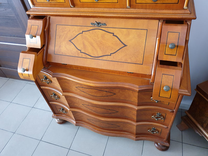 A BEAUTIFUL, FUNCTIONAL INLAID BUREAU – BAROQUE STYLE - Vintage Clock Face