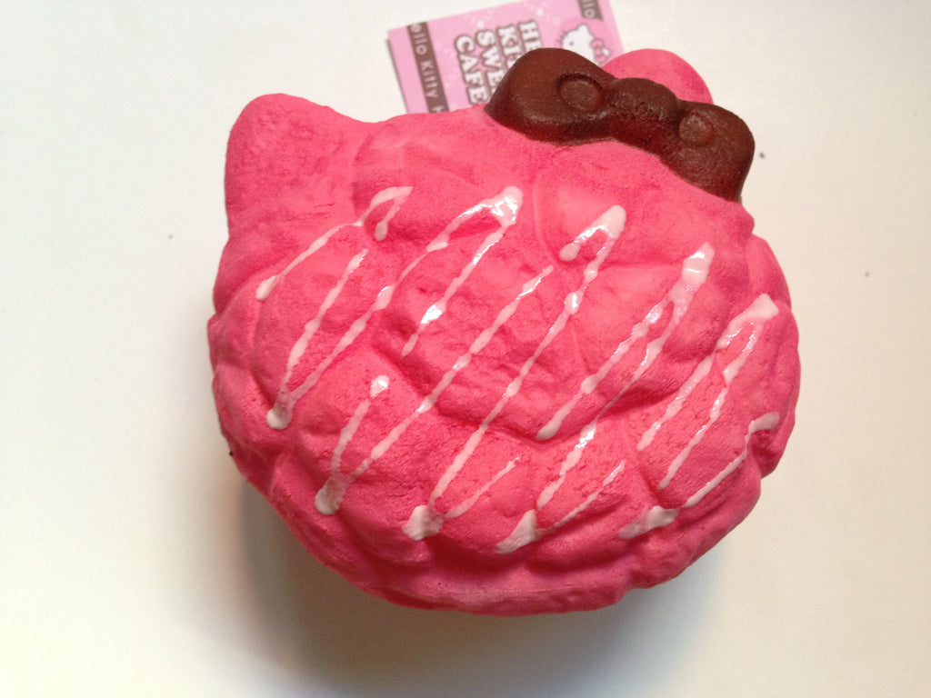 Jumbo Hello Kitty Squishy Charm Cream Puff
