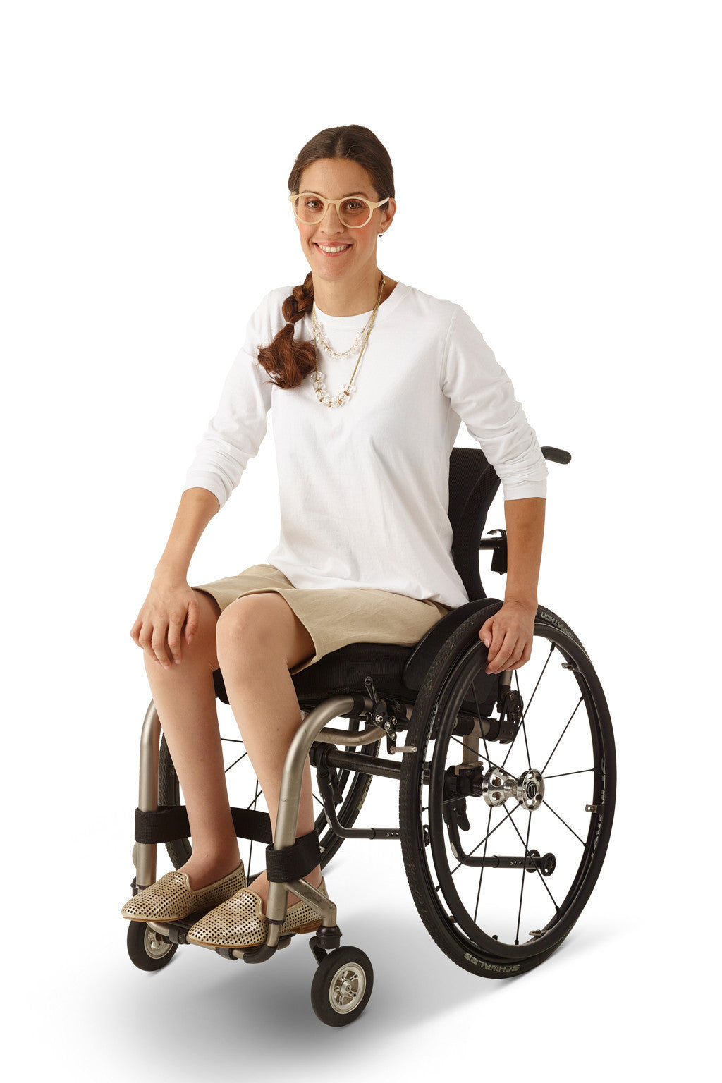 wheelchair model wearing adaptive chino shorts