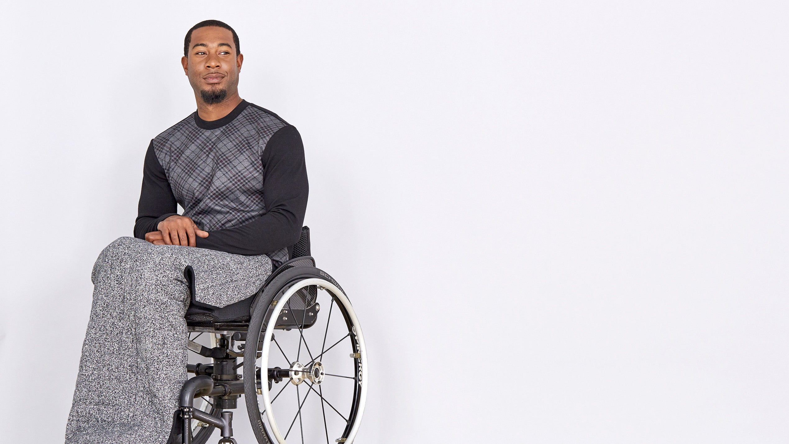 wheelchair user model in adaptive jeans