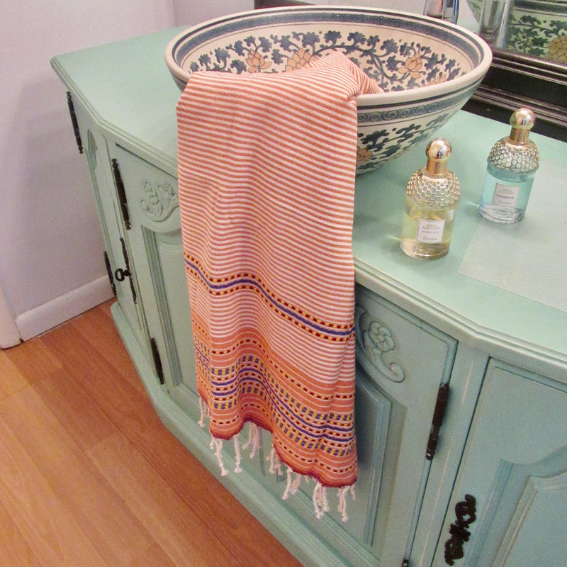 Drying Off With Old, Coarse Towels? Why Turkish Towels Are Your Next Go-To Purchase