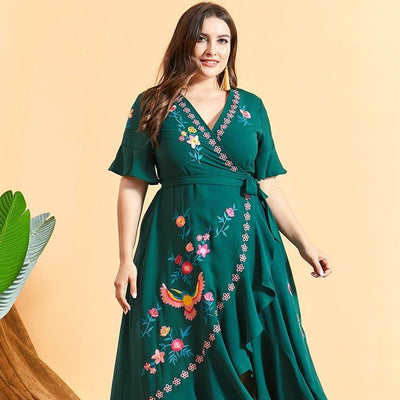 Plus Size Embroidery Floral Maxi Dress Diosa Divina