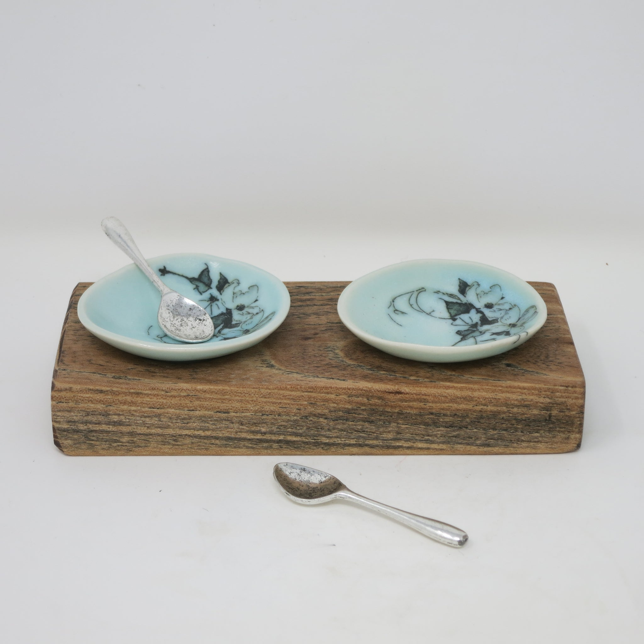 Salt Dishes (Set of 2 with Tray)