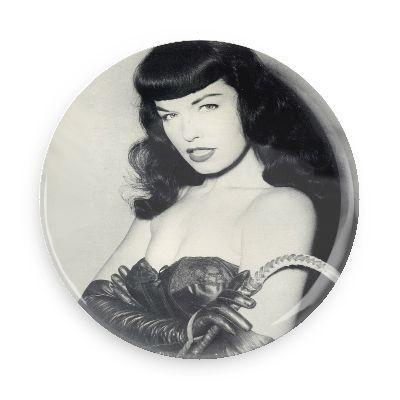 Bettie Page Whip Button - Falstaff Trading / Nerd culture, Horror, B-movies, cult classic - uniquely cool / falstafftrading.com