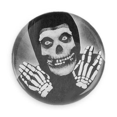 Crimson Ghost Button - Falstaff Trading / Nerd culture, Horror, B-movies, cult classic - uniquely cool / falstafftrading.com