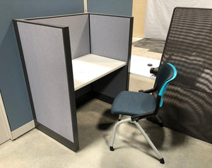 Study Carrel 3-Panel Desk