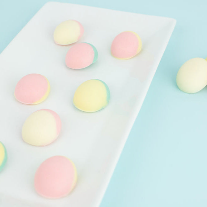 """Egg - cited"" about these DIY color blocked chocolate eggs"