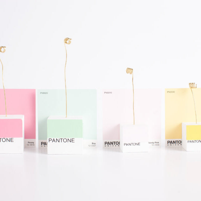 PANTONE MY WEAKNESS: DIY PHOTO HOLDERS