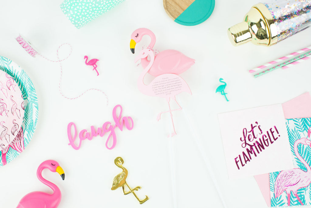 Flamingo Friday DIY Invites! These are a super cute idea for any flamingo party!