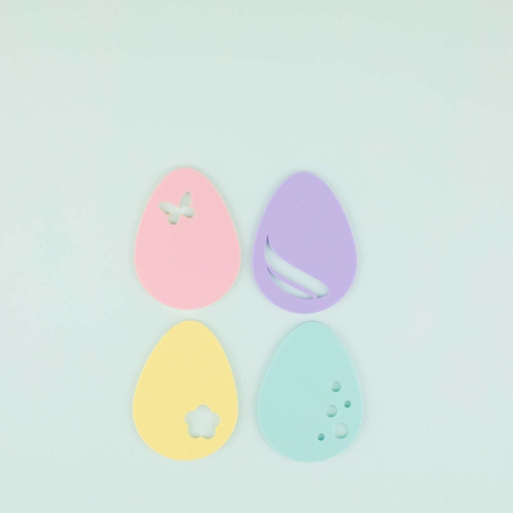 Assorted Egg Place Setting - 4 Count